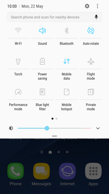 Press Mobile data to turn the function on or off.