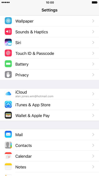 Apple iPhone 7 Plus - Turn automatic update of apps on or